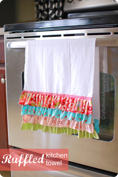Valentine's Day Ruffled Tea Towel - 10 DIY Valentine's Day Projects