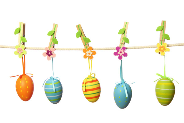 15 Easter Craft Ideas {chicks, bunnies, lambs, and more} - DIY Egg Garland