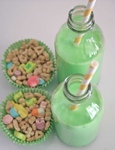 17 St. Patrick's Day Treats {easy, fun, and colorful} - St. Patrick's Day Lucky Breakfast