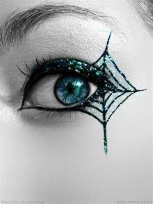 21 creepy and cool halloween face painting ideas lovebugs and postcards - Maquillage halloween toile d araignee ...