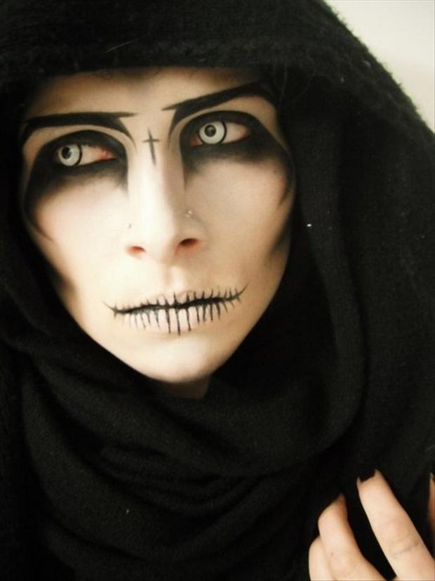 Halloween Face Paint Ideas For Women.21 Creepy And Cool Halloween Face Painting Ideas Lovebugs