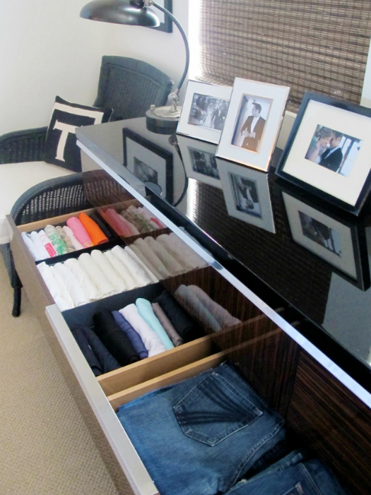 creative ways to organize your closet lovebugs and postcards. Black Bedroom Furniture Sets. Home Design Ideas