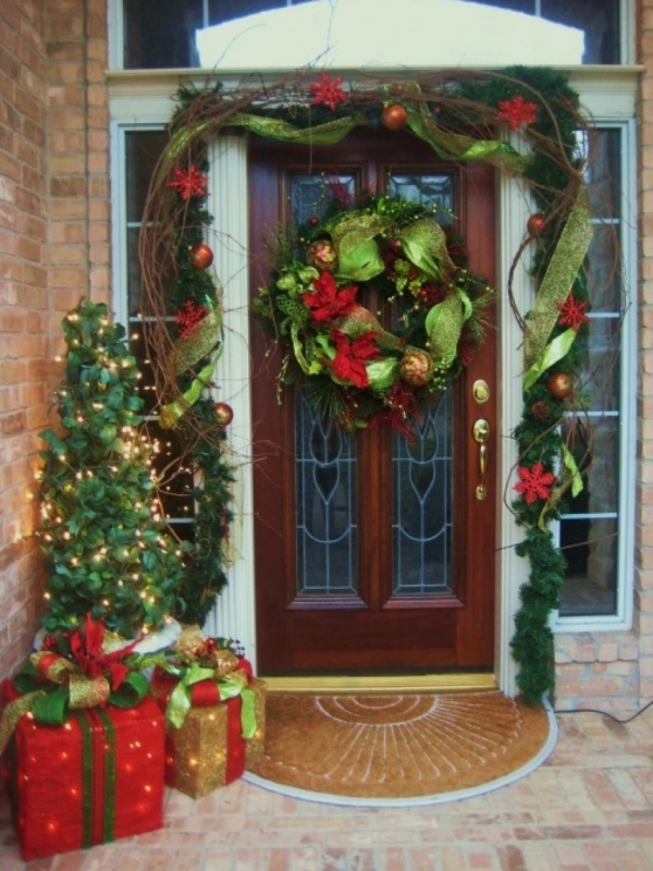 15 Christmas Wreath Ideas - Mesh Wreath