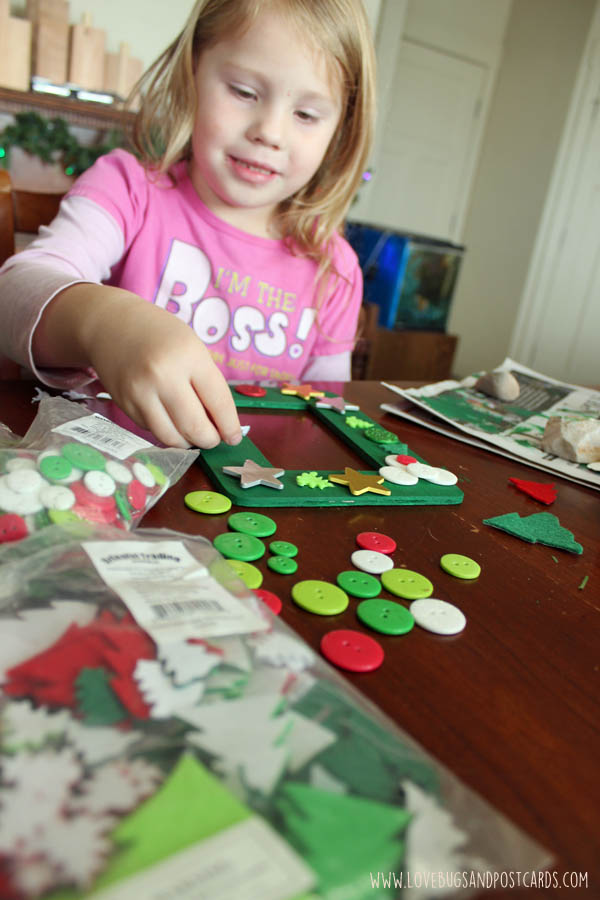 DIY Frames Christmas Crafts for Kids